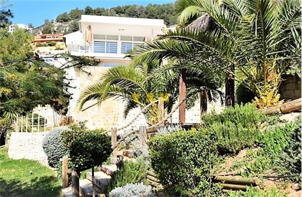 Grote foto recently built modern villa . reduced huizen en kamers vrijstaand