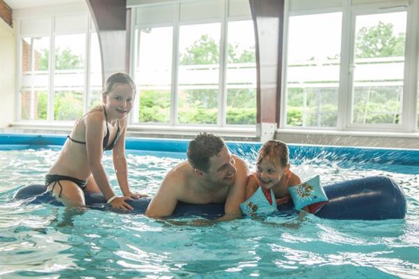 Grote foto chalet voor 6 8p parkdinant met binnenzwembad vakantie belgi