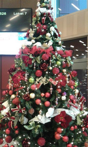 Grote foto een versierde kerstboom huren voor uw bedrijf... diensten en vakmensen feesten