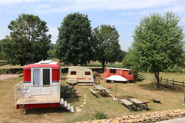 Grote foto les chatelets en dans le jardin vakantie frankrijk