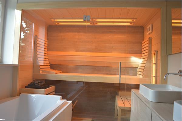 Grote foto sauna in de badkamer beauty en gezondheid sauna