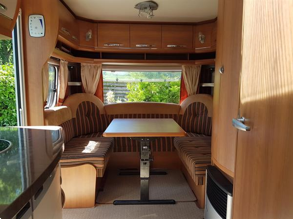 Grote foto hobby 455uf compleet met mover en nieuwe voortent caravans en kamperen caravans