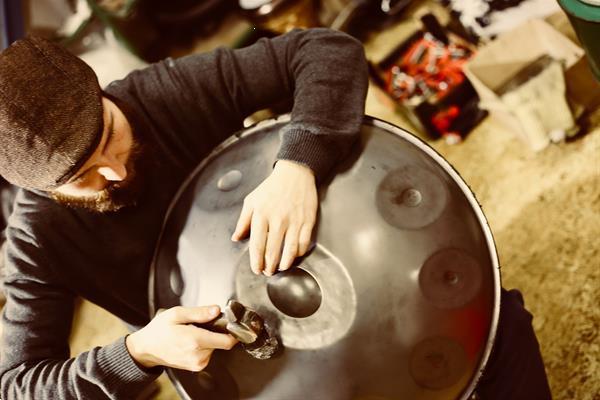 Grote foto de specialist voor prachtige nieuwe en gebruikte handpannen muziek en instrumenten overige muziek en instrumenten