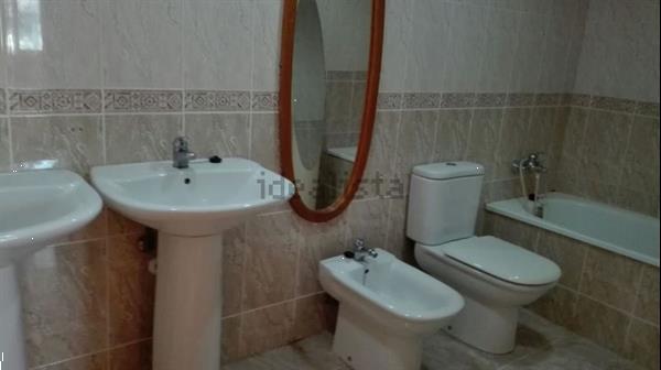 Grote foto tussenwoning gilet valencia 5 slaapkamers huizen en kamers eengezinswoningen