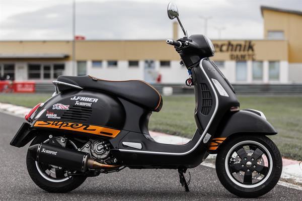Grote foto piaggio vespa 125cc 250cc 300cc inleren uitlezen motoren tuning en styling