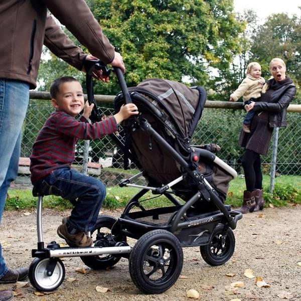 Grote foto multiboard meerijdplankje met zitje kinderen en baby kinderwagens