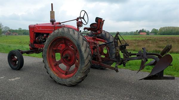 Grote foto farmall wd9 h fu235 super bmd agrarisch tractoren oldtimers