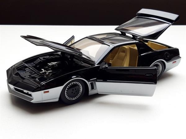 Grote foto modelauto pontiac firebird knight rider karr 1 24 verzamelen auto en modelauto