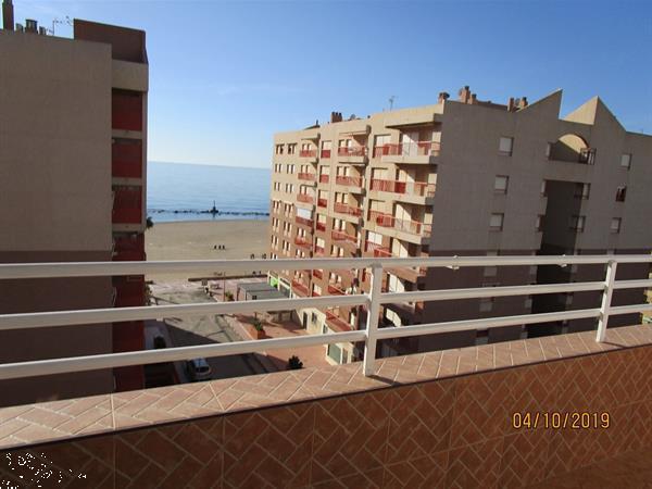 Grote foto appartement met uitzicht op zee huizen en kamers bestaand europa