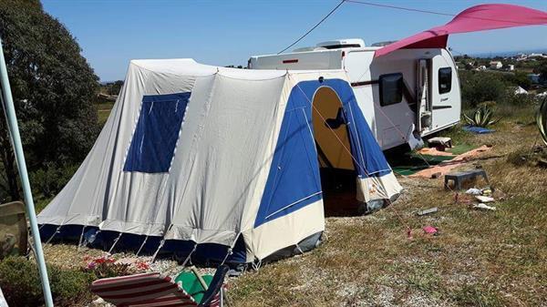 Grote foto grote tent caravans en kamperen tenten