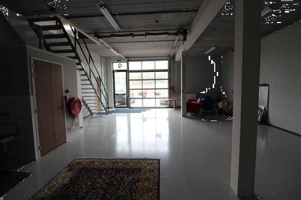 Grote foto te huur bedrijfsruimte george stephensonweg hoek james watt huizen en kamers bedrijfspanden