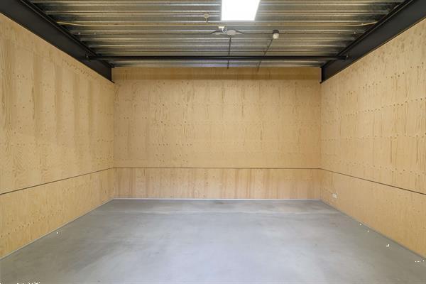 Grote foto te huur bedrijfsruimte hoofdveste 2 houten huizen en kamers bedrijfspanden