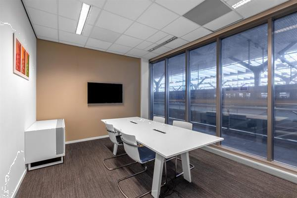 Grote foto te huur werkplek stationsplein 18a rotterdam huizen en kamers bedrijfspanden