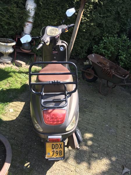 Grote foto scooter bromfiets fietsen en brommers overige merken