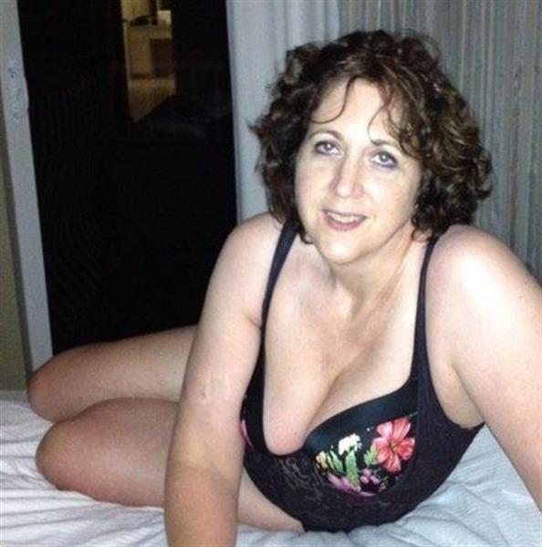 Grote foto ik wil verwend worden erotiek vrouw zoekt mannelijke sekspartner