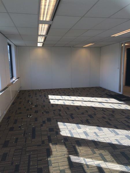 Grote foto te huur kantoorruimte essebaan 13 19 capelle aan den ijssel huizen en kamers bedrijfspanden