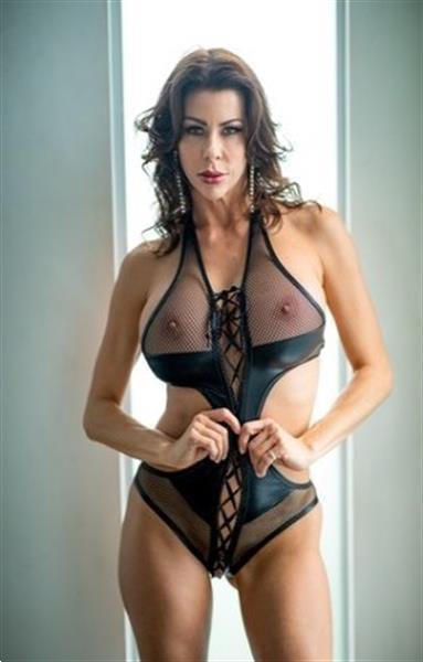 Grote foto ik laat je alle hoeken van de slaapkamer zien erotiek contact vrouw tot man