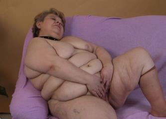 Grote foto oudere dame zoekt man die haar kan voorzien erotiek contact vrouw tot man