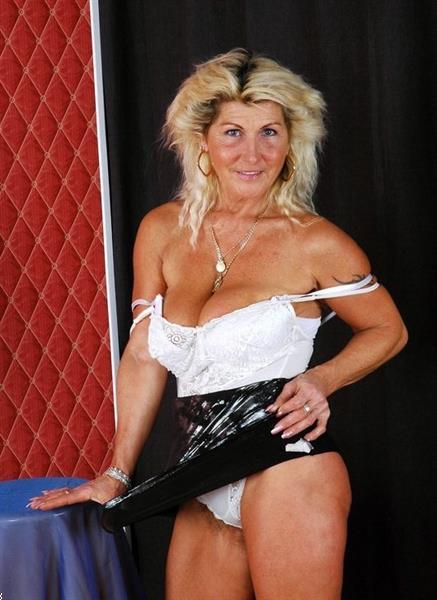 Grote foto 64jarige actieve dame is zoekende erotiek contact vrouw tot man