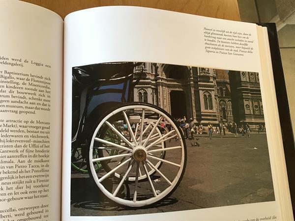 Grote foto firenze is om u te bekoren een prachtige stad boeken reisverhalen