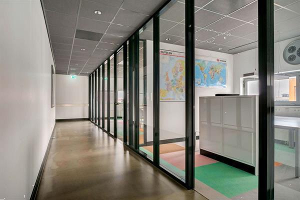 Grote foto te huur kantoorruimte tansistorstraat 24 almere huizen en kamers bedrijfspanden