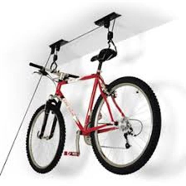 Grote foto fiets lift een eenvoudig ophangsysteem. fietsen en brommers sportfietsen