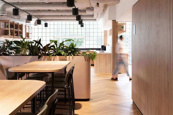 Grote foto te huur kantoorruimte overschiestraat 65 amsterdam huizen en kamers bedrijfspanden