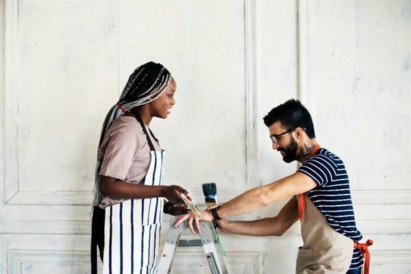 Grote foto zoekt u een ervaren en goedkope aannemer diensten en vakmensen aannemers