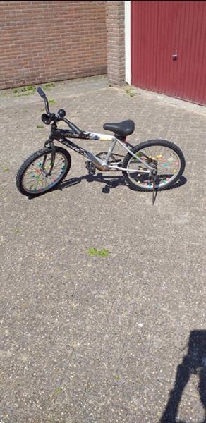 Grote foto kinder crossfiets. fietsen en brommers jongensfietsen