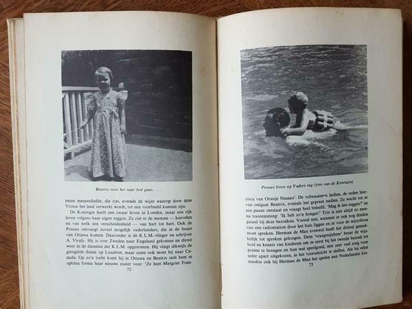 Grote foto haar werk ging door. boeken geschiedenis vaderland