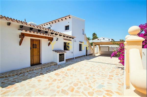 Grote foto well maintained large spanish villa in quiet area huizen en kamers bestaand europa