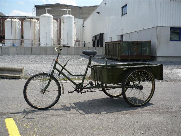 Grote foto traditionele chinese communist driewielerbakfiets fietsen en brommers bakfietsen