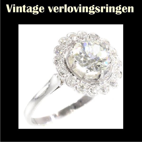 Grote foto sublieme vintage art deco verlovingsring. sieraden tassen en uiterlijk ringen voor haar