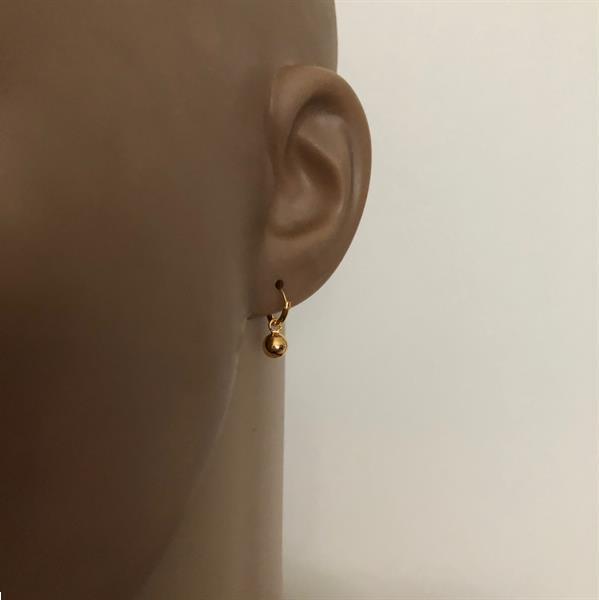 Grote foto goud op zilver kleine oorringen creolen balletje sieraden tassen en uiterlijk oorbellen