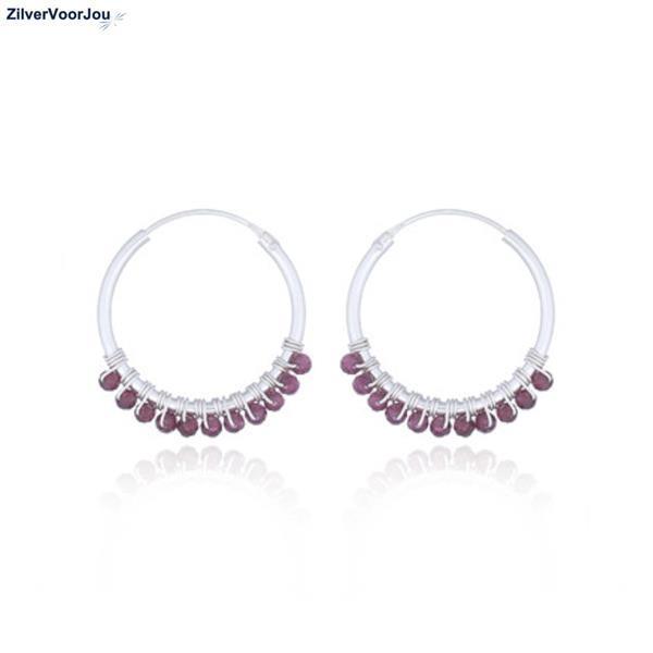 Grote foto zilveren oorringen rode granaat edelsteentjes sieraden tassen en uiterlijk oorbellen