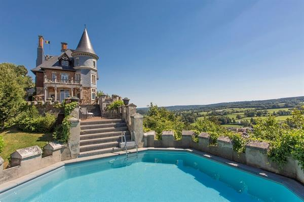 Grote foto kasteel voor 30 p. met zwembad op de vestingmuur vakantie belgi