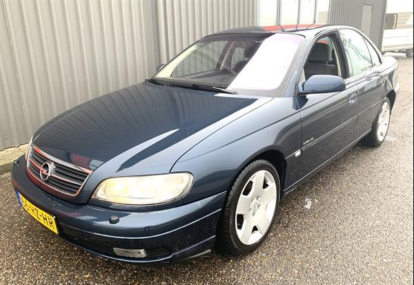Grote foto opel omega 2.2. youngtimer auto opel
