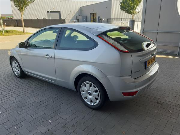 Grote foto ford focus 1.6 16v trend airco 2008 auto ford