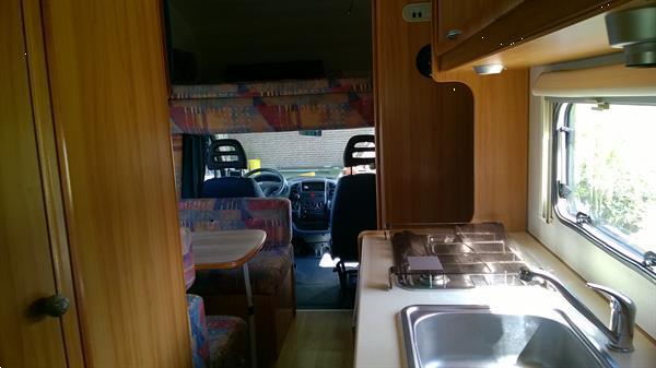Grote foto camper huren. caravans en kamperen campers
