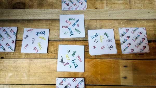 Grote foto het spelspel zakelijke goederen kantoorartikelen