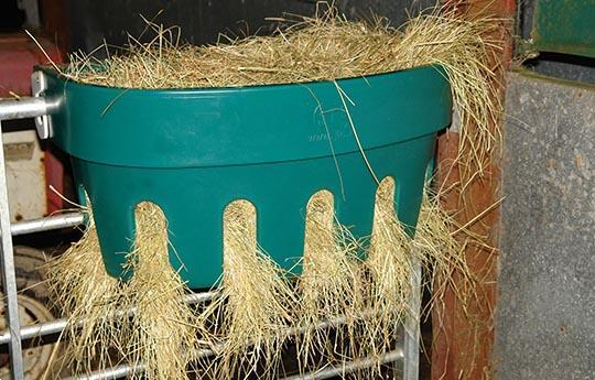 Grote foto kunststoffen hanghooiruif 100 liter dieren en toebehoren paarden accessoires