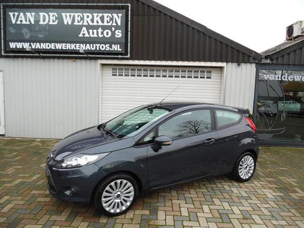 Grote foto ford fiesta 1.25 titanium uefa champion league auto ford