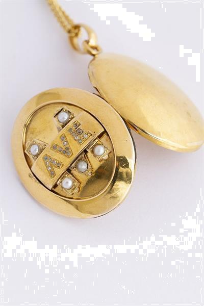 Grote foto antiek gouden medaillon met diamanten en parels sieraden tassen en uiterlijk kettingen