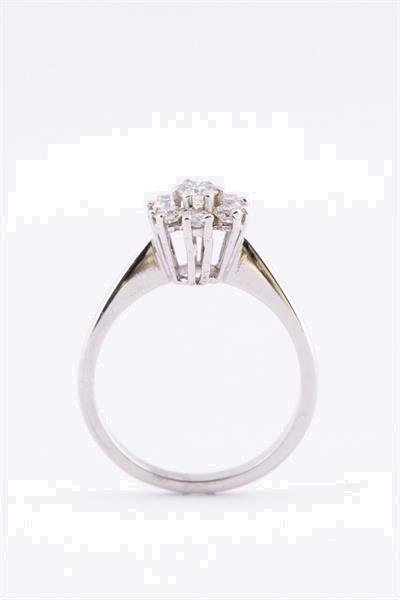 Grote foto wit gouden entourage ring 7 briljanten sieraden tassen en uiterlijk ringen voor haar