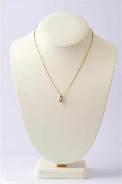 Grote foto gouden clip hanger met briljant aan gouden collier sieraden tassen en uiterlijk kettingen