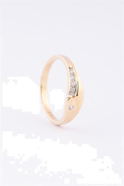 Grote foto gouden ring met 5 briljanten sieraden tassen en uiterlijk ringen voor haar