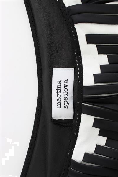 Grote foto martina spetlova black white chevron nappa leather shorts it kleding dames broeken en pantalons