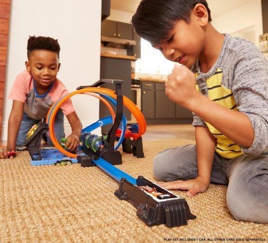 Grote foto hot wheels kurkentrekker crash racebaan kinderen en baby speelgoed voor jongens