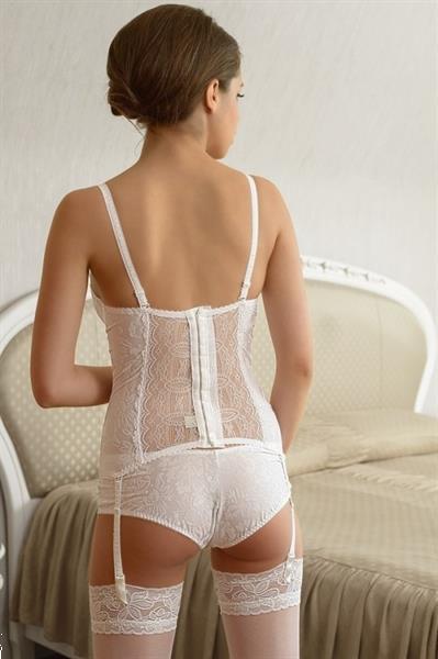 Grote foto witte kanten bustier in jouw cupmaat cup 70b kleding dames ondergoed