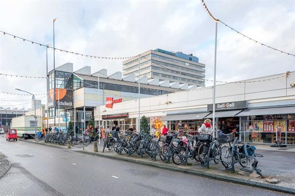 Grote foto te huur winkelruimte rivi radreef 44 haarlem huizen en kamers bedrijfspanden